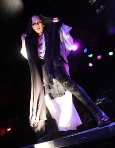 Kyo Dir En Grey, I Hate You, Great Love, Visual Kei, Music Bands, Pretty People, Male Celebrities, Concert, Icons