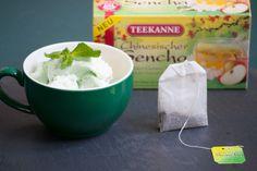 Teatime! Dieser chinesische Sencha-Tee ist für einen grünen Tee ausgewogen mild und fruchtig. Der fruchtige Apfelgeschmack und das Aroma von erfrischenen Holunderblüten runden den Tee ab.  Unsere Empfehlung: Aus dem Teeaufguß ein leckeres Eis zubereiten ... Mmmmmh!