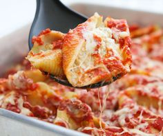 Four Cheese Stuffed Shells. Jumbo shells stuffed with four gooey cheeses. Comfort food at its best people. Pasta Recipes, Dinner Recipes, Cooking Recipes, Cooking Food, Restaurant Recipes, Cooking Tips, Dinner Ideas, Ravioli, Cheese Stuffed Shells