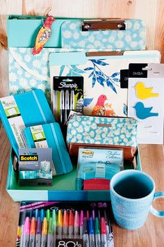 Enter to win this Favorite Summer Things giveaway! Some great cute office supplies here!