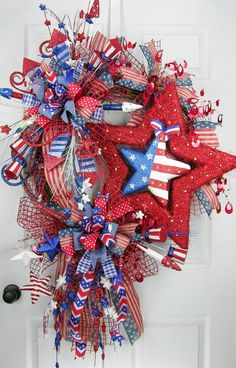 Patriotic Wreath Memorial Day 4th of July with lights and Terri Bows #terribow www.milandildesigns.com