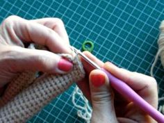 How to crochet standing legs in amigurumi - YouTube
