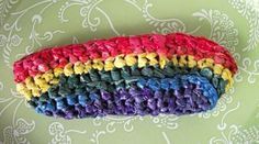 ♥How to color/dye plastic bags for all the cool upcycled projects.♥ Rainbow-plarn