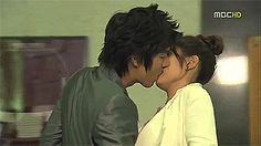 The 10 hottest KDrama kisses... Most of my favorite Kdrama kisses are there. Ohhh those lucky girls... Game over, Cola Kiss...