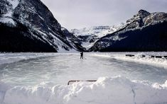 19 Stunning Natural Ice Skating Rinks Around the World Banff National Park, National Parks, Emoji, Outdoor Ice Skating, Ice Lake, Skate Canada, Ice Rink, Skating Rink, Travel