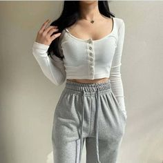 Adrette Outfits, Kpop Fashion Outfits, Girly Outfits, Korean Outfits, Simple Outfits, Stylish Outfits, Stylish Girl, Sporty Outfits, Classy Outfits