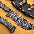 CUSTOM HAND MADE TRACKER KNIFE DAMASCUS STEEL BLADE (SP1648)                                                                                                                                                                                 Más