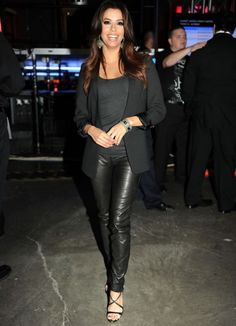 Eva longoria porte le pantalon en cuir