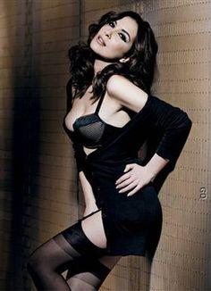 soraia chaves - Pesquisa do Google Ronaldo, Gq, Women Lingerie, Sexy Lingerie, Femmes Les Plus Sexy, Wearing Black, Dark Hair, Sexy Women, Actresses