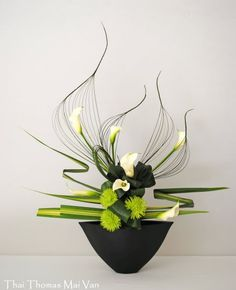 Thai Thomas Mai Van floral art designer ikebana https://www.facebook.com/pages/Art-Floral-Ikebana-Mai-Van-Thai-Thomas/485784058146121?fref=ts