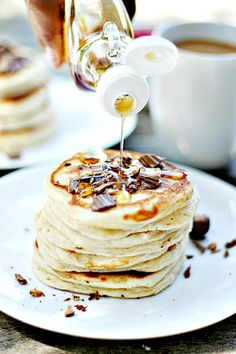 Reese's Peanut Butter Cup  Peanut Butter  Pancakes | heathersfrenchpress.com #pancakes