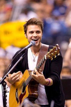 Kris Allen (American Idol 8 - Winner)