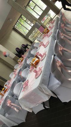 Babyshower guest table