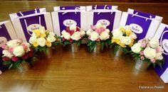 Galetuse vesele cu trandafiri Rose Bouquet, Classic Beauty, Bouquets, Roses, Table Decorations, Design, Home Decor, Bouquet Of Roses, Decoration Home