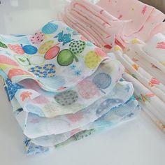 子ども用 プリーツマスクの作り方★ | ☆Chaho's Diary☆ Sewing Hacks, Sewing Crafts, Diy Face Mask, Sewing Patterns, Coin Purse, Projects To Try, Quilts, Crochet, Fabric