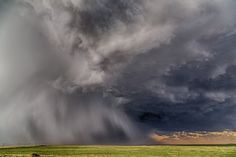Storm Photography Tips by Caryn Hill on InMyBag.net