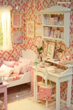 Nerea Pozo Art: ♥ Handmade miniature diorama PINK PARADISE BEDROOM ♥