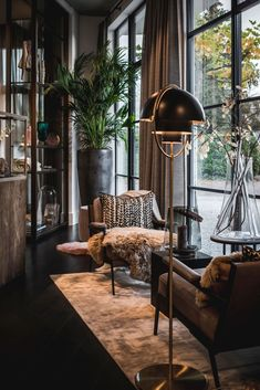 Home interior Design Videos Living Room Hanging Plants Link – Right here are the best pins around Coastal Home interior! Interior Design Inspiration, Home Interior Design, Interior Architecture, Interior Decorating, Interior Stylist, Design Ideas, Luxury Interior, French Interior, Decorating Games