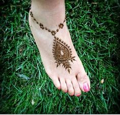 Summer Henna Feet Tattoo #henna #mehndi