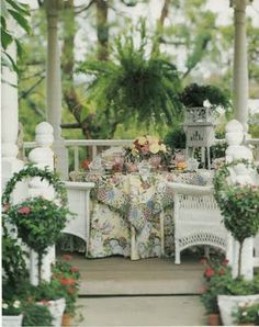 Hydrangea Hill Cottage: Dining Al Fresco Outdoor Rooms, Outdoor Dining, Outdoor Gardens, Gazebo, Southern Porches, Country Porches, Porch Veranda, Home Porch, Cottage Porch