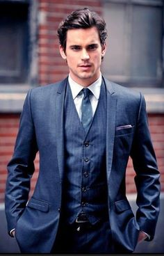 Matt Bomer(White Collar, Magic Mike), looking absolutely stunningly sharp in a suit.