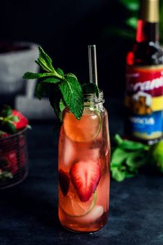 This Strawberry Hibiscus Iced Tea is the stuff spring dreams are made of - light, airy and absolutely refreshing when served chilled.@ToraniFlavor #AToraniBrunch #springentertaining #nonalcoholic #brunch #drinks