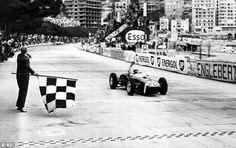 1961 Monaco GP, Monte Carlo : Stirling Moss, Lotus-Climax 18 #28, Rob Walker Racing Team, Winner. (ph: AP via dailymail.co.uk)