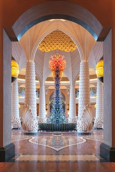 Atlantis The Palm Hotel, Dubai designed by WATG :: Glass Sculpture by Dale Chihuly and handpainted ceiling murals by Artist Albino Gonzalez Atlantis Hotel Dubai, Hotel A Dubai, Dubai Uae, Hotels And Resorts, Best Hotels, Luxury Spa, Beautiful World, Beautiful Places, Islamic Architecture
