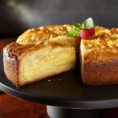 French Custard Butter Cake - - French Custard Butter Cake Cake ideas and inspiration Mmmmmm… custard. This French-inspired cake is filled with a rich amaretto custard. Serve at room temperature to best enjoy this creamy and decadent dessert recipe. French Desserts, Just Desserts, French Recipes, French Sweets, Gourmet Desserts, Plated Desserts, Sweet Recipes, Cake Recipes, Cupcakes