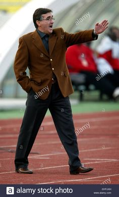 Download this stock image: Iran Coach Branko Ivankovic during an international friendly in Tehran November 13, 2005. - GYFJXH from Alamy's library of millions of high resolution stock photos, illustrations and vectors.