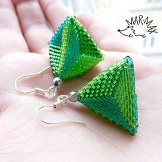 Pyramid by Mar-max, via Flickr  #beadwork #earrings #peyote