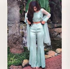 Haute spot for Indian Outfits. Indian Gowns Dresses, Indian Fashion Dresses, Dress Indian Style, Indian Fashion Trends, Designer Party Wear Dresses, Kurti Designs Party Wear, Patiala Suit Designs, Indian Wedding Outfits, Pakistani Outfits