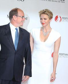 Le prince Albert II et la princesse Charlène de Monaco lors de l'ouverture du 56ème Festival de télé