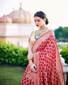 Now that I think about it, I don't know why haven't I written about Jaipur Lehenga Market earlier. For anyone who is wedding shopping in Delhi, or coming to Delhi,… Red Lehenga, Raw Silk Lehenga, Lehenga Dupatta, Indian Wedding Outfits, Bridal Outfits, Indian Outfits, Wedding Dresses, Indian Beauty Saree, Indian Sarees