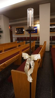 #vtwmc | Simple Ivory Bows | Wrought Iron Aisle Candle | War Memorial Chapel