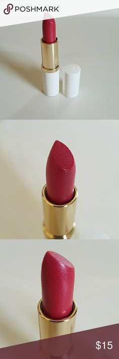 Estee Lauder Lipstick PRICE FIRM Beautiful brand new without price tag Estee Lauder Lipstick. Rose Envy Shimmer. 0.12oz. Part of extras that came with my purchase. Never used and don't need it. Any applicable original labels still on item though. It did not come in a particular box or case. Estee Lauder Makeup Lipstick