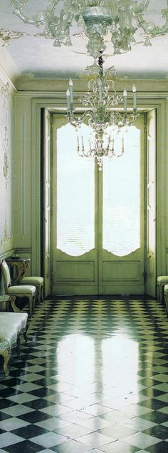 """""""Dreamy Blues"""" World of Interiors 3 Villa Sommi Picenardi century home in Northern Italy """"The Rococo hall runs through the center of the building"""" Home Design, Interior Design, Beautiful Interiors, Beautiful Homes, Chandelier Bougie, Entryway Chandelier, Glass Chandelier, Villa, Vestibule"""