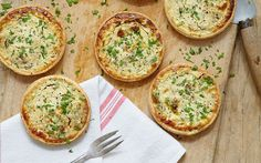 Mary Berry& goat& cheese and shallot tarts with walnut pastry recipe taken from Mary Berry& Absolute Favourites Quiche Recipes, Pastry Recipes, Appetizer Recipes, Cooking Recipes, Appetizers, Quiche Ideas, Bbc Recipes, Pastry Dishes, Savory Pastry