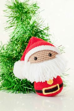 Amigurumi Papa Noel Santa Claus ~ English pattern on request by email Crochet Christmas Ornaments, Holiday Crochet, Christmas Knitting, Christmas Crafts, Xmas, Crochet Santa, Crochet Dolls, Crochet Gratis, Free Crochet