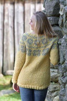 BØKKO Soft Gul Pullover, Sweaters, Fashion, Threading, Scale Model, Moda, Fashion Styles, Sweater, Fashion Illustrations