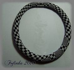 Fofinha's geometric bead crochet - B. Bergman