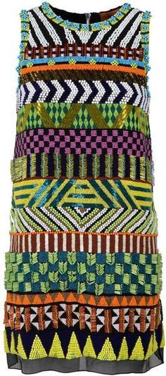 Miçangas em um tema étnico. Alphonsine Beaded Tribal inspired Shift Dress - MISSON
