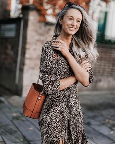 Fashion Mumblr, Oversized Jumper, Take My, Day Dresses, Fall Outfits, Jumpsuit, Classy, Leather Jacket, Earth Tones