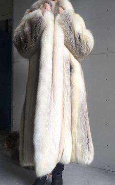 Prachtig bont jas Neiman Marcus echte Saga Silver Fox Full Fox Fur Coat, Fur  Coats 738ce8e65f