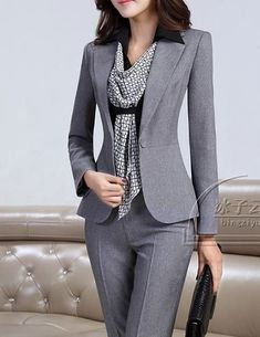 woman business attire in 2020 Classy Work Outfits, Business Casual Outfits, Professional Outfits, Business Attire, Office Outfits, Chic Outfits, Fashion Outfits, Business Professional, Blazer Fashion