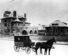 Horse-drawn Ambulance in 1896 Atlanta for Grady Hospital - Possibly the ambulance that rushed Baker Bass to Grady, which is in the background on the left - Georgia State University Libary Georgia Usa, Georgia On My Mind, Atlanta Georgia, Rare Photos, Old Photos, Vintage Photos, Georgia State University, Memorial Hospital, Strange History