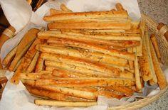 "Galerie - Tyčinky z jogurtu hotové jen za 10 minut. Slaný ""snack"" k televizi recept My Recipes, Cooking Recipes, Favorite Recipes, Healthy Recipes, Savory Pastry, Good Food, Yummy Food, Salty Snacks, Hungarian Recipes"