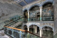 While some monuments are well taken care of and protected, those that are partially or even completely run-down often are the most interesting. Here's are some of the most ghostly abandoned places around the world. Beneath all the dust, rust and cracks, there are the stories of people who used to live there.