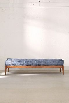 Slide View: 6: Hopper Daybed