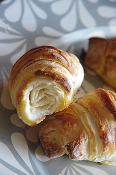 Une recette facile et détournée pour réussir de jolis croissants briochées et feuilletés maison.
